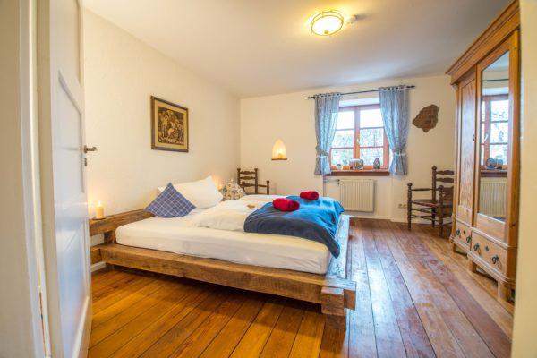 Das große Schlafzimmer in der ferienwohnung Nibelungenland