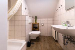 Badezimmer der Ferienwohnung Zwergenreich